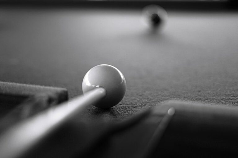 How To Put English On The Cue Ball?