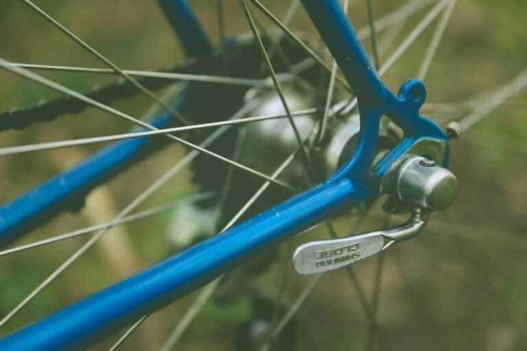 Should You Put A Quick Release on A Fixie? | Fixie 101